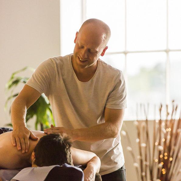 Sam Coxeter Acupuncturistenhanced