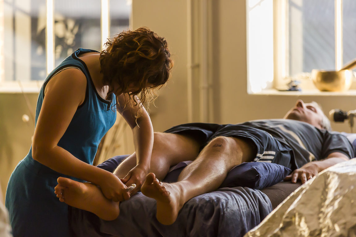 acupuncturist Rebecca Geanty treating a patient